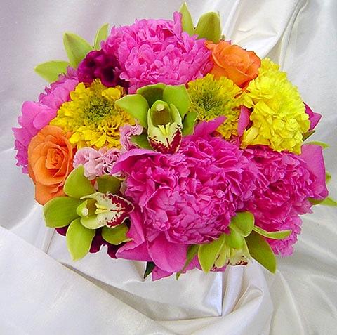 Красивый букет из живых цветов